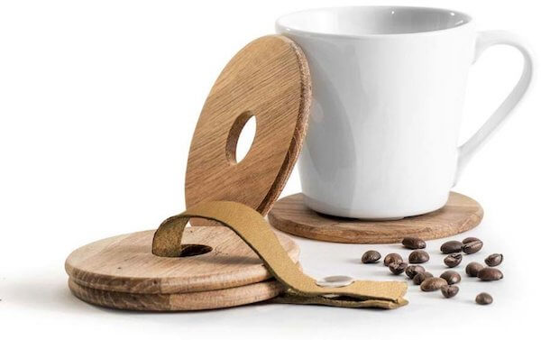 Sagaform nature bordskånere til glas og kopper i solidt egetræ