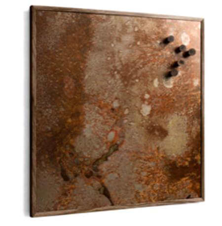 The Oak Men mellem rusty med mørk olieret egetræ ramme og rusten metal