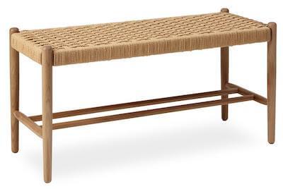 Amigo entremøbel med siddeplads i flot mat lakeret eg og flet siddeplads