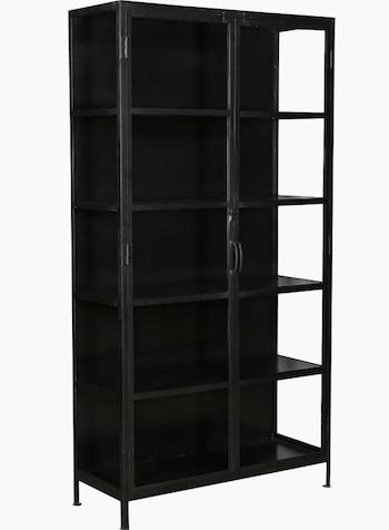 Trademark sort metalskab med glas i råt industrielt look og 4 hylder
