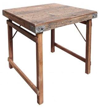 Fransk træbord udført af gamle jernbanesveller i str. 70 x 76 cm