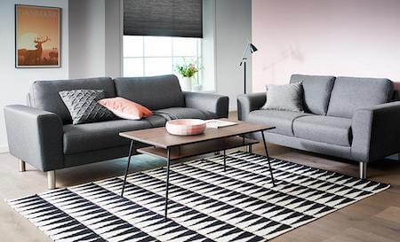 Stamford basic sofa med betrukket gråt dessin stof og stålben