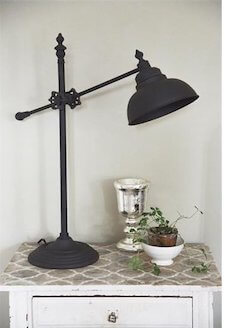 Klassisk rustik Jeanne D'Arc metal lampe
